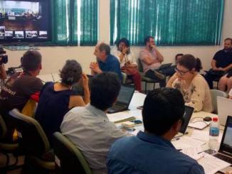 Conselheiros do Conselho Universitário da UFFS votam e aprovam o pedido de destituição do reitor Marcelo Recktenvald