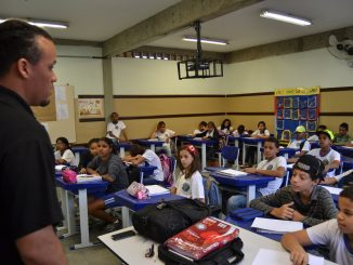 Crianças durante aula no projeto Mais Educação.