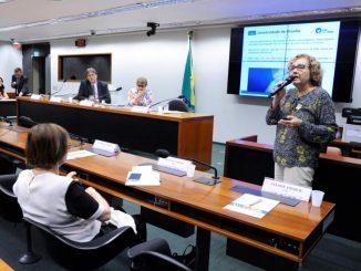 Seminário discute a importância das universidades federais. Evento promovido pela Comissão da Educação na Câmara dos Deputados.