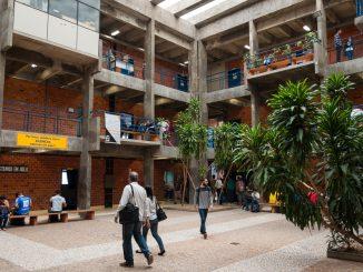 Imagem interna do Centro Tecnológico (CTC) da UFSC