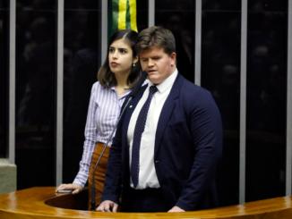 deputados Tábata Amaral e Felipe Rigoni