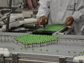 Vacina ciência cientista. Foto: Divulgação Biomanguinhos