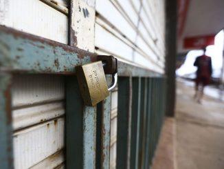 Comércio e atividades consideradas não essenciais fecham as portas durante lockdown no Distrito Federal. Foto: Marcelo Camargo/Agência Brasil