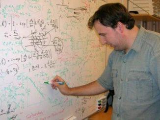 Roman Pasechnik ajudou a descobrir partícula procurada há quase 50 anos – Foto: Gunnar Ingelman/Divulgação